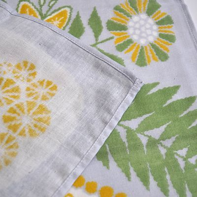 画像2: 十布(テンプ) /  正方形のダブルガーゼ M:白熊と植物(バンダナサイズ)グレー