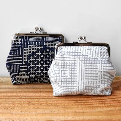 画像1: 十布(テンプ) /  福島の刺子織 がまぐち(ネイビー / オフホワイト)