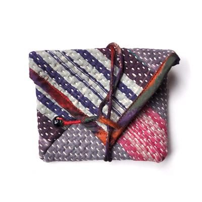 画像1: vintage kantha pouch / ヴィンテージカンタ スクエアポーチ( S /カードケースサイズ)