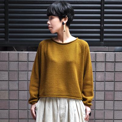 画像1: 【別注アイテム】FACTORY(ファクトリー)/ キャメル100% ショート丈 ロールネックセーター